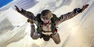 skydiving-678168_1280 (1)