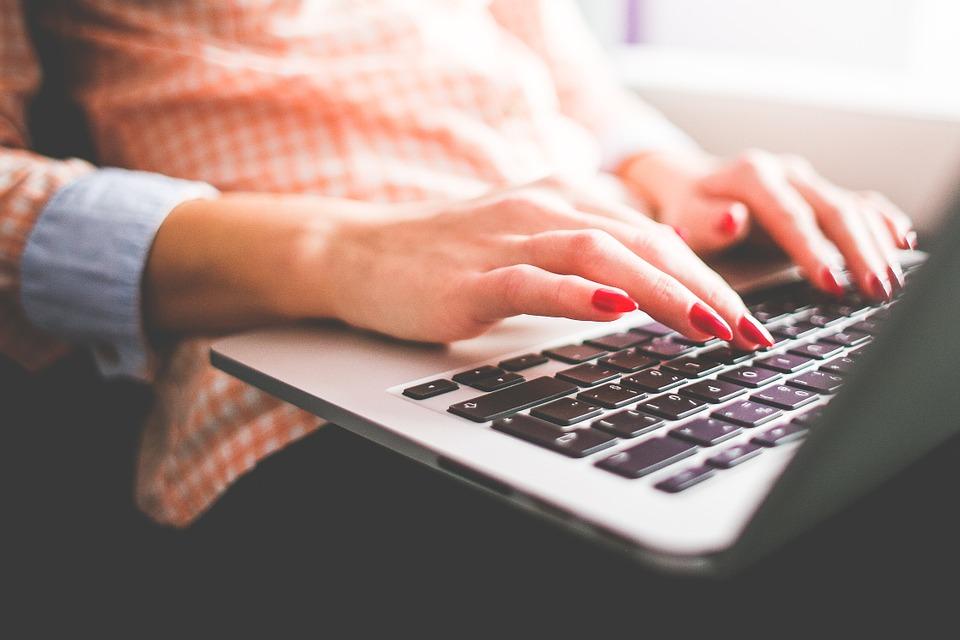 5 Perks Of A Career In Copywriting « Inspiring Interns Blog